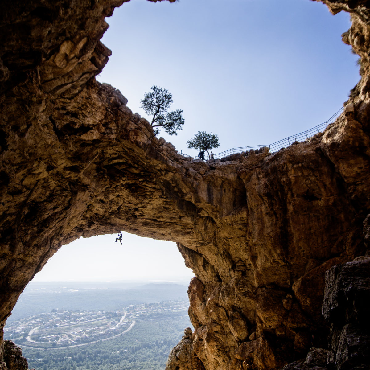 Israel. Keshet Cave. Ofer Blutrich in Icarus 8a© Claudia Ziegler